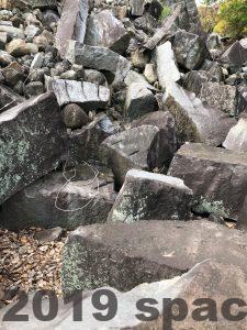 熊本地震で崩れたままの石垣