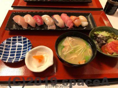 國枝鮮魚店のランチ魚屋の寿司膳