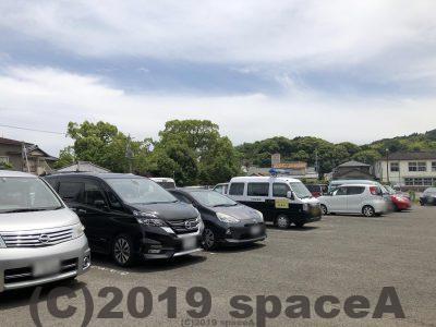 諏訪神社の駐車場