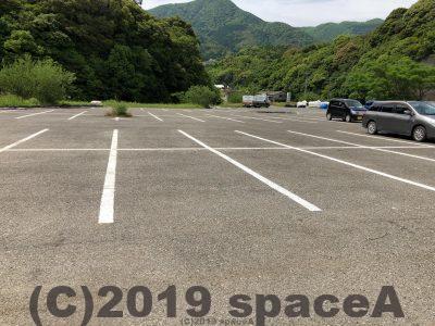 えびすビーチの駐車場は広いです