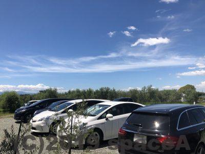 中川オリーブ農園-〇megane-の駐車場