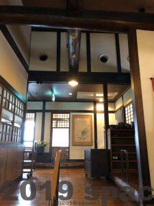 更紗の玄関